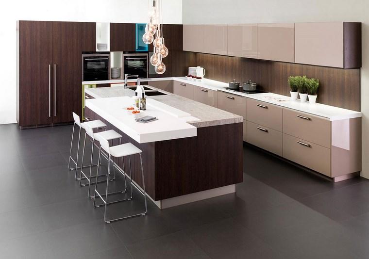 Cocina cuadrada con forma de u o l m s de 50 ideas para for Cocinas con islas en el medio