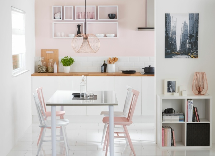 cocina blanca sillas rosa