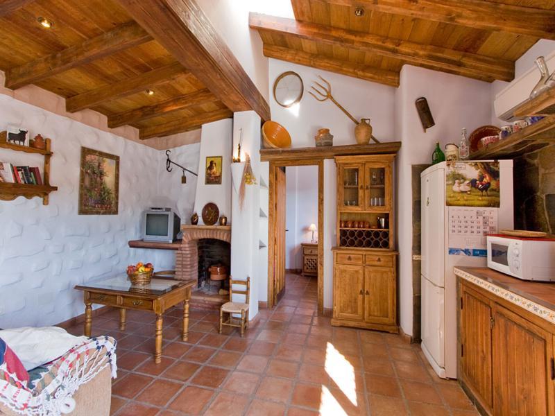 cocina rústica madera estilo andalúz
