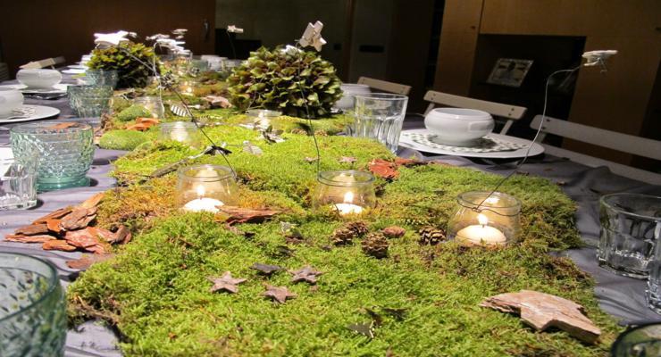 decoración mantel mesa musgos