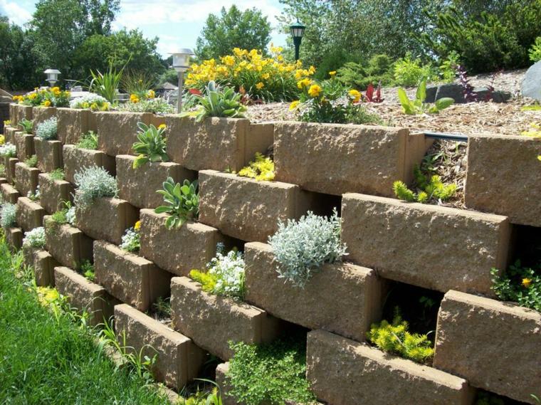 Jardineras verticales ideas sencillas para colgar plantas for Plantas decoradas con piedras