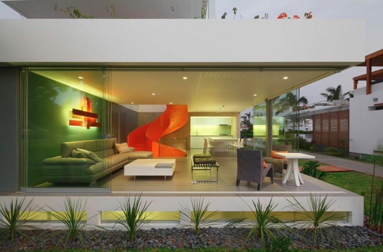 decoracion de salones modernos escalera caracol naranja ideas