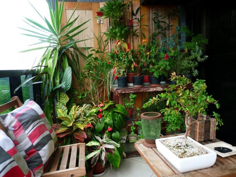 decoracion para balcones muchas plantas verde natural ideas