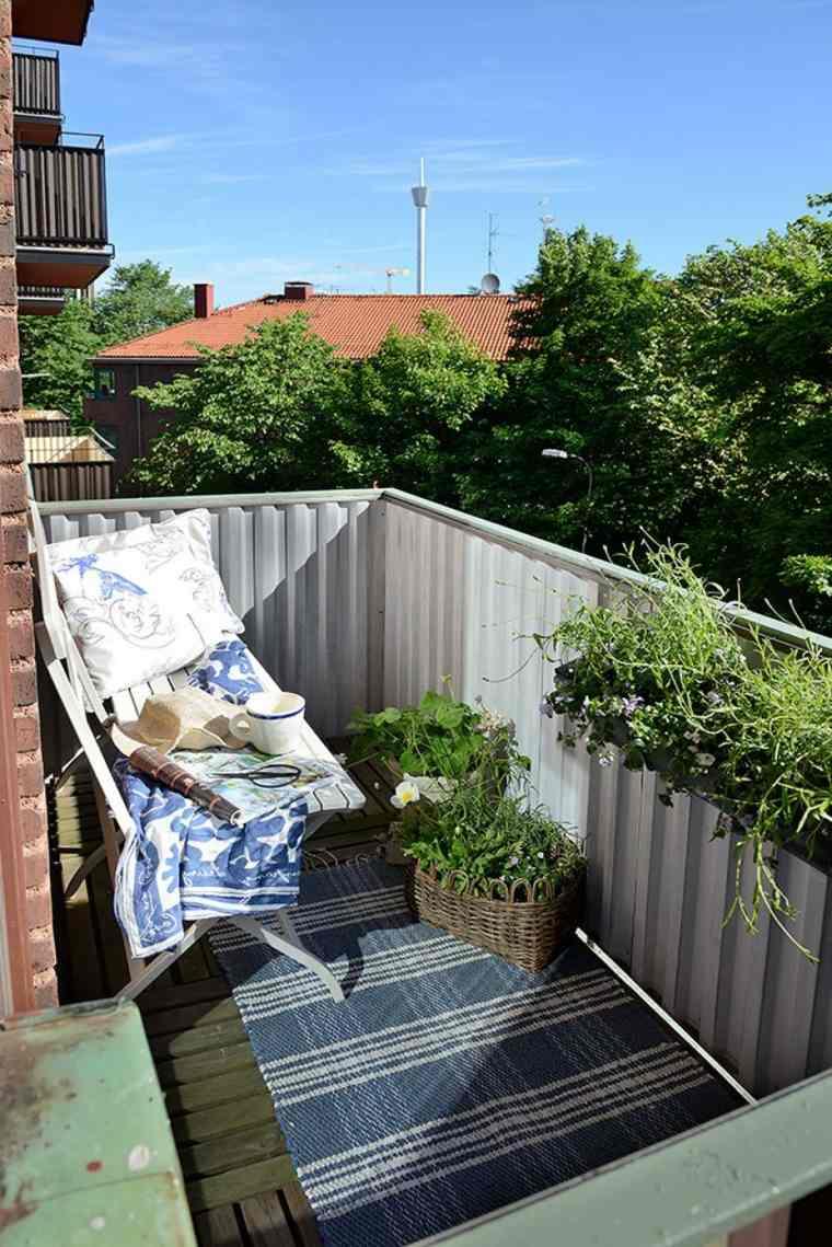 decoracion para balcones opciones alfombra azul blanco ideas