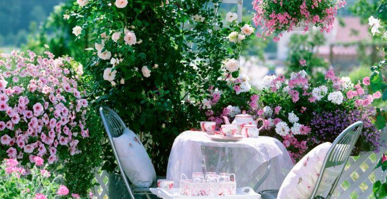 decoracion para balcones opciones flores blanco rosa ideas