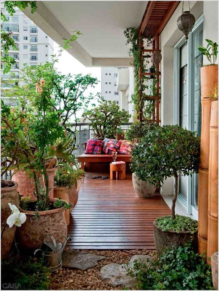 Decoracion para balcones soleados y agradables -