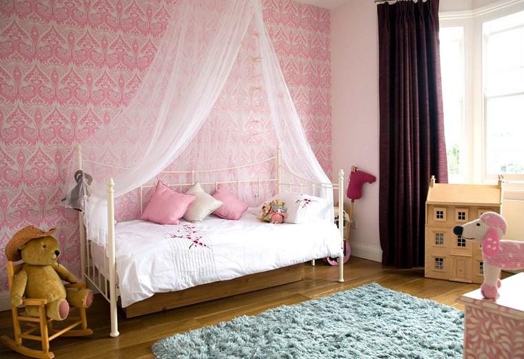 decorar habitacion niña juguetes papel pared rosa ideas