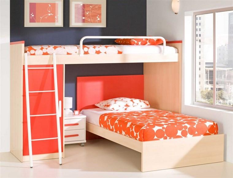 decorar habitacion niña pared negra camas naranjas ideas