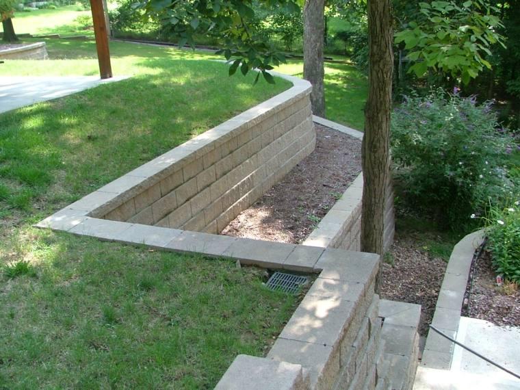diseño de jardines terrazas arbol piedras niveles ideas