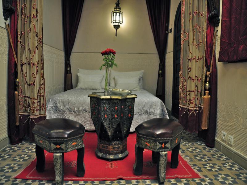 Decoracion andaluza motivos patrones y colores con - Diseno interiores sevilla ...