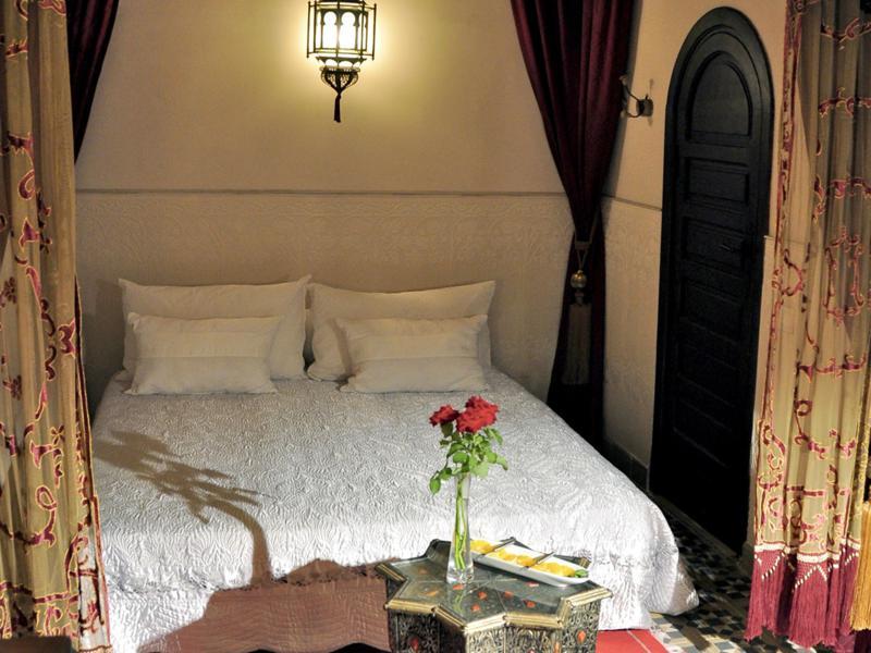 bonito dormitorio decoracion estilo andaluz