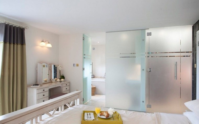 Baño Vestidor Moderno:Dormitorios con vestidor y baño 50 opciones de diseño -