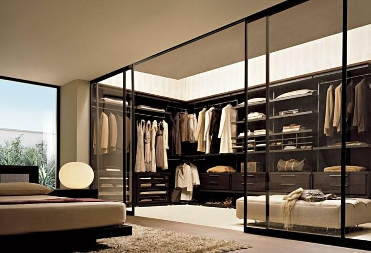 dormitorios-vestidor-amplio-ropa-diseno-elegante
