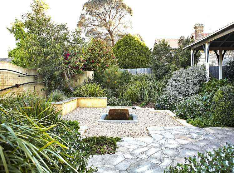 diseño jardín suelo grava
