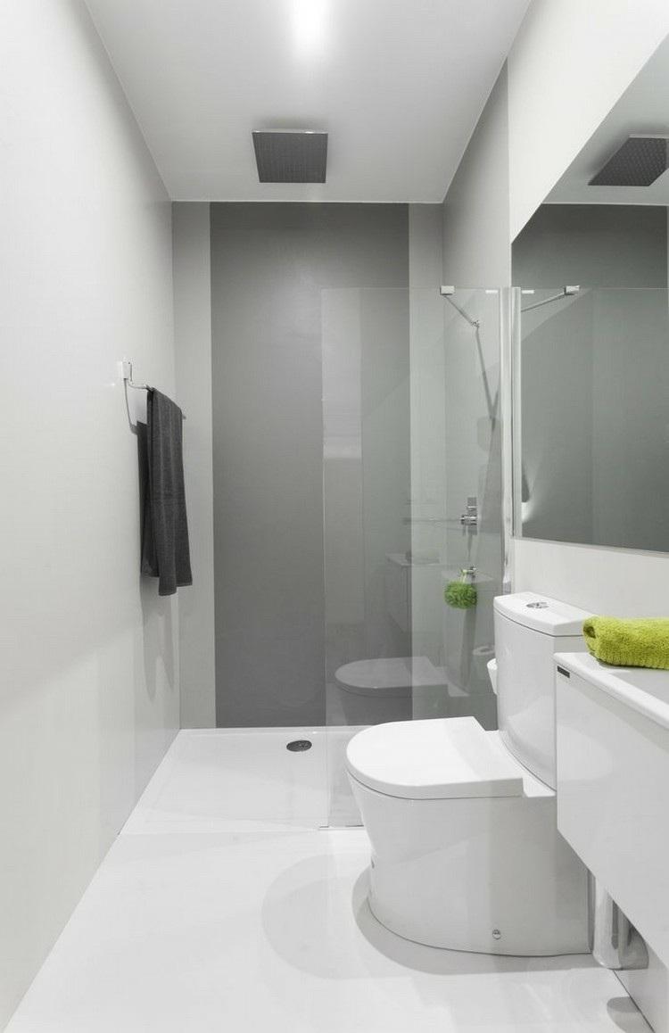Ba o muy pequeno ducha for Poner ducha en bano pequeno