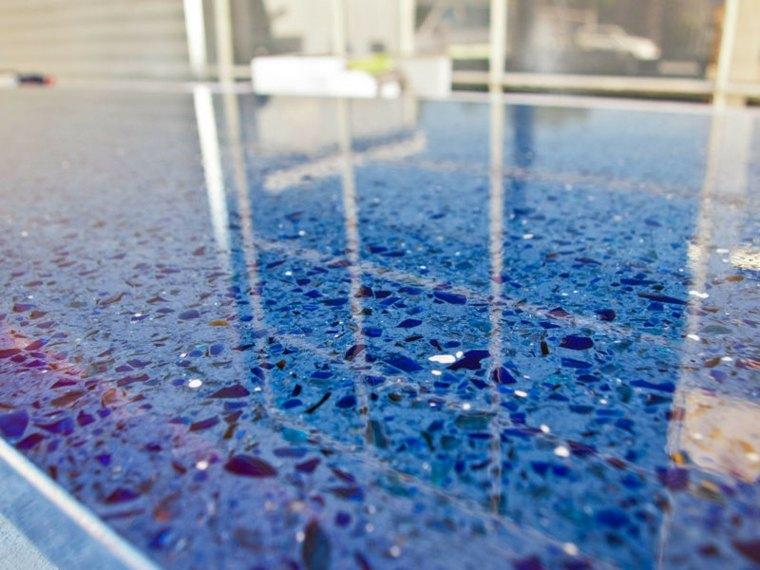 encimera trozos vidrio reciclado azul
