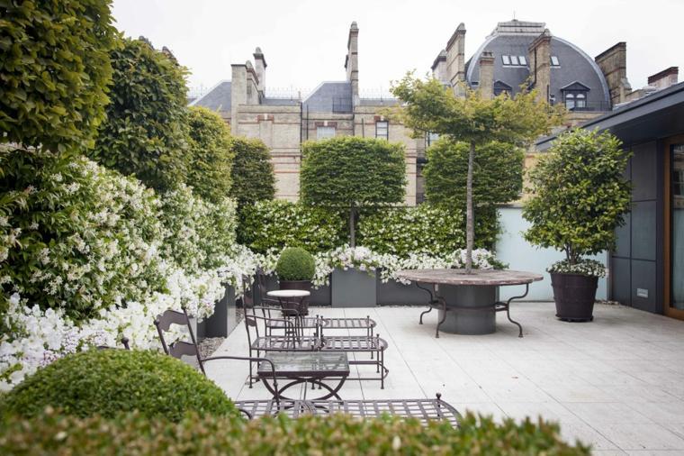 escapadas con encanto opciones jardin pequeno mesa maceta ideas