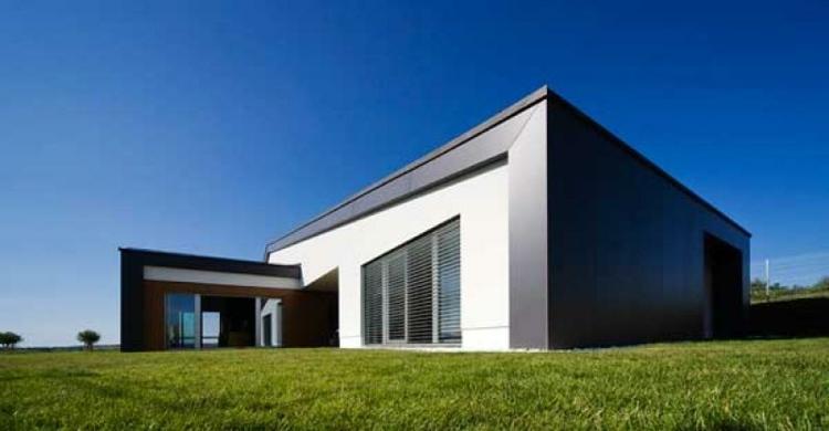 estupenda casa moderna jardines