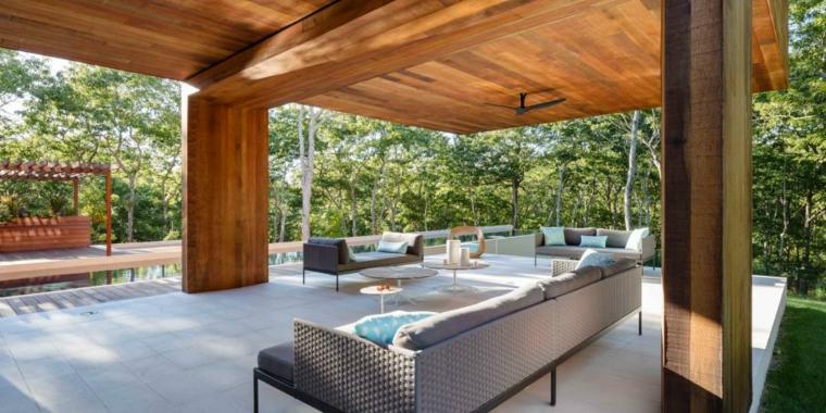 estupenda terraza cubierta tejado madera