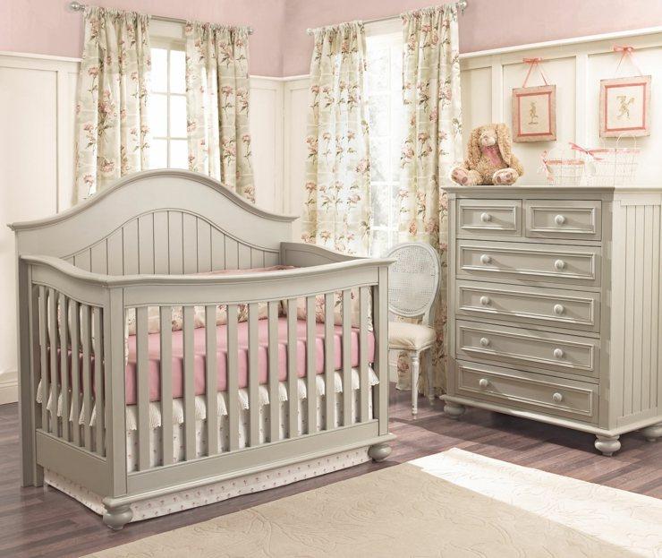 habitacion bebe niña muebles detalles colores cortinas