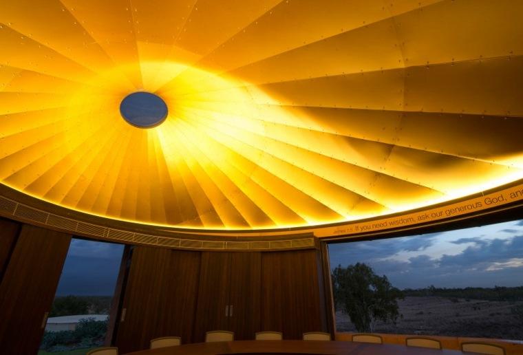 interior cúpula casa moderna