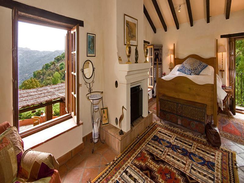 interior habitación rústica andaluza vistas