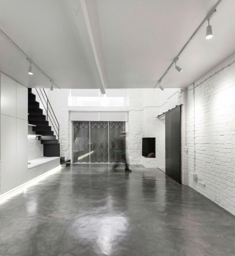 interiores minimalistas pared blancas escalera cocina ideas