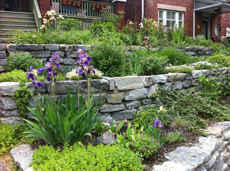 jardin diseno muralla piedra flores ideas