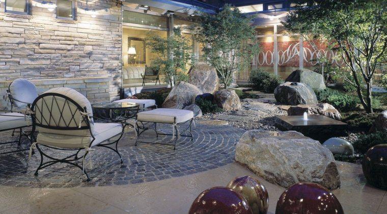 jardin-opciones-decoracion-arboles-piedras