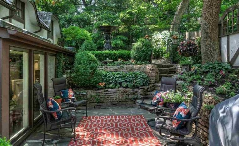 jardin pequeno diseno nivelado ideas