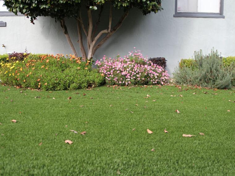 jardin decorado cesped artificial