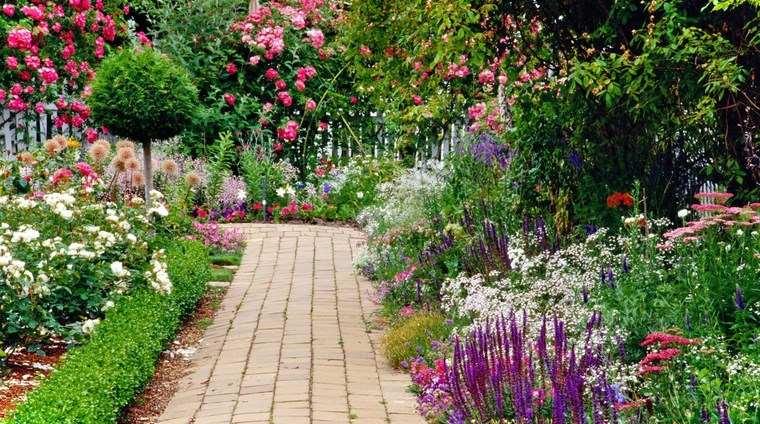 jardineria paisajismo flores primavera camino ideas