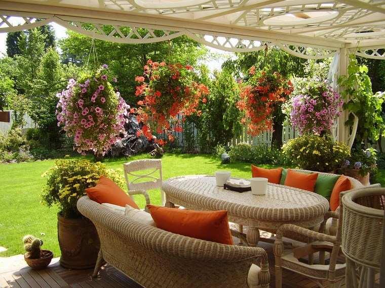 jardineria paisajismo flores primavera macetas colgantes cesped ideas