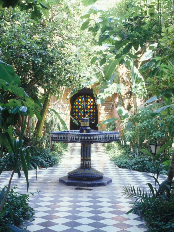 jardines diseño mediterraneo agua colores azul