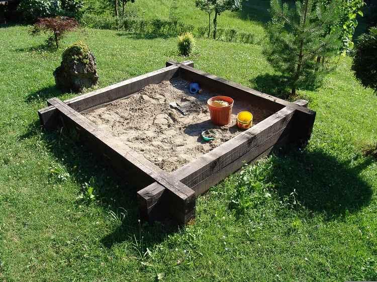 juegos divertidos hierbas soluciones patio humedad