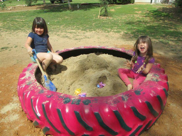 Juegos divertidos y areneros para patios de ensue o - Areneros para ninos ...