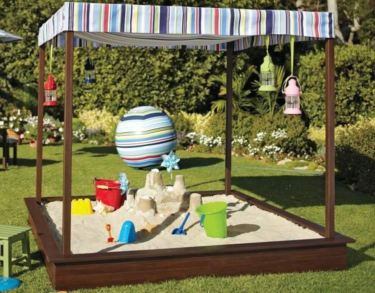 Juegos divertidos y areneros para patios de ensueño.