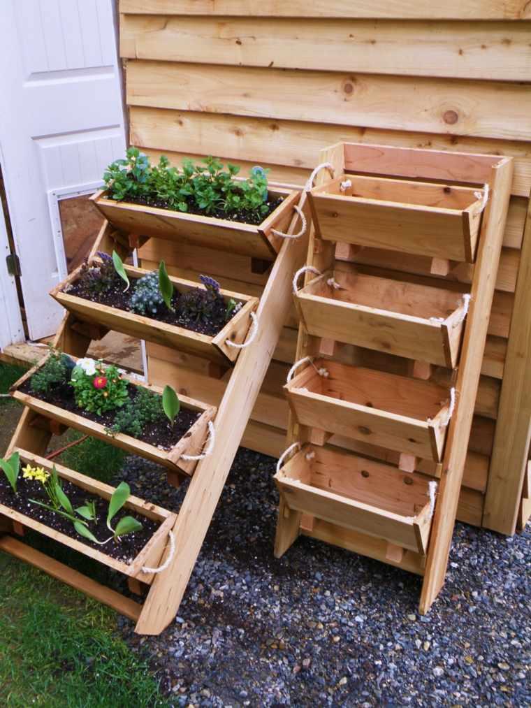 Jardineras verticales ideas sencillas para colgar plantas for Maceteros verticales con palets