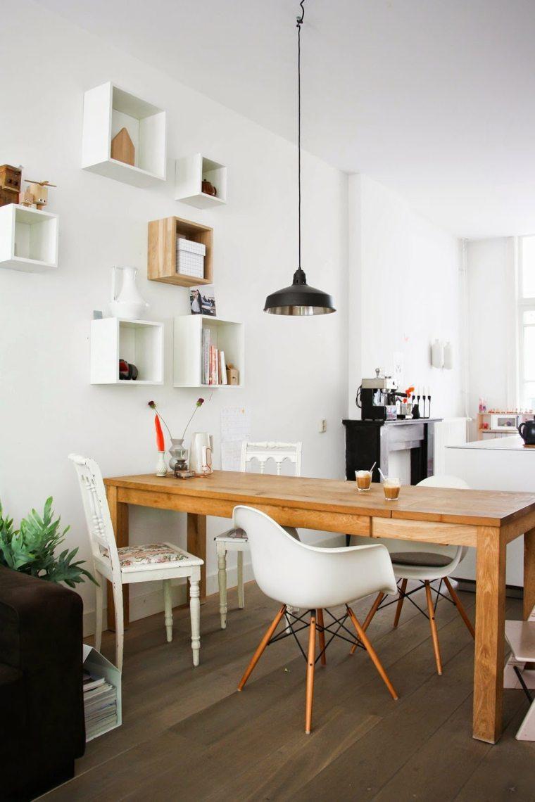 mesa madera sillas blancas
