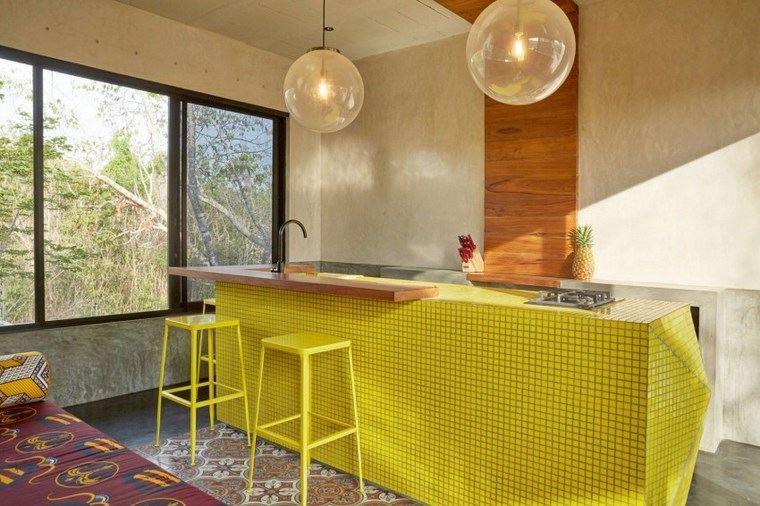 mexico casa diseno cocina amarilla taburetes ideas