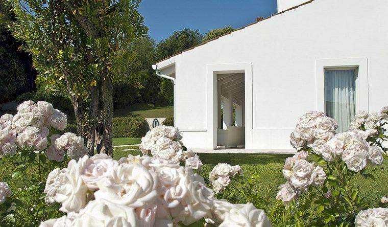 paisajismo flores primavera jardines rosas blancas ideas