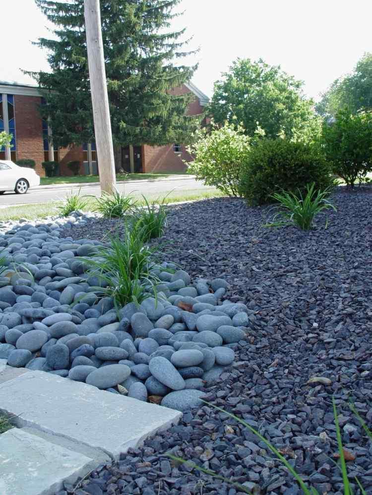 plantas jardín suelo guijarros piedras