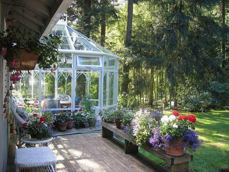 Porches jard n y muebles preciosos para la entrada for Jardines preciosos casa