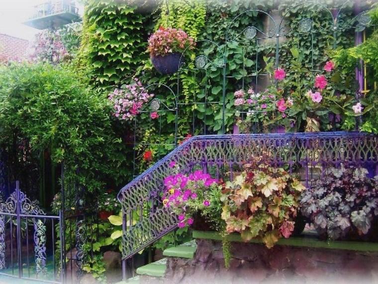 Porches jardín y muebles preciosos para la entrada -