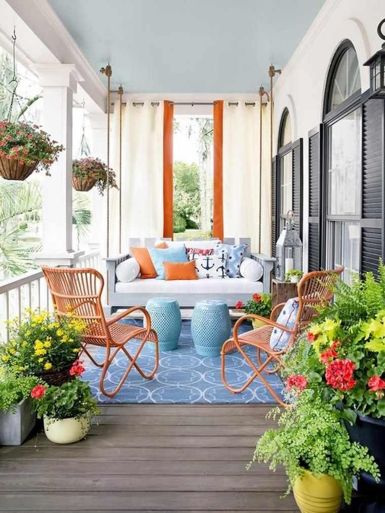 Porches jard n y muebles preciosos para la entrada - Decorar porche pequeno ...