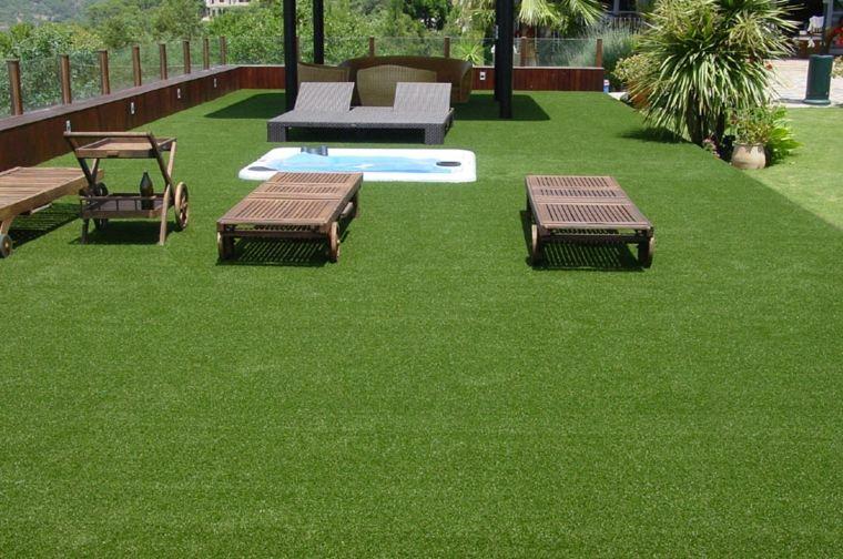 estupenda terraza moderna césped artificial
