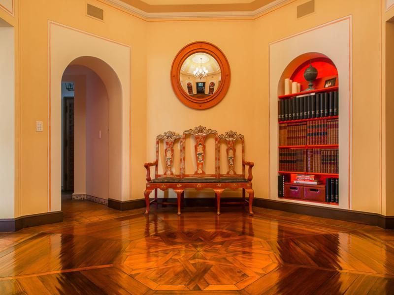 salón lujoso diseño andaluz suelo