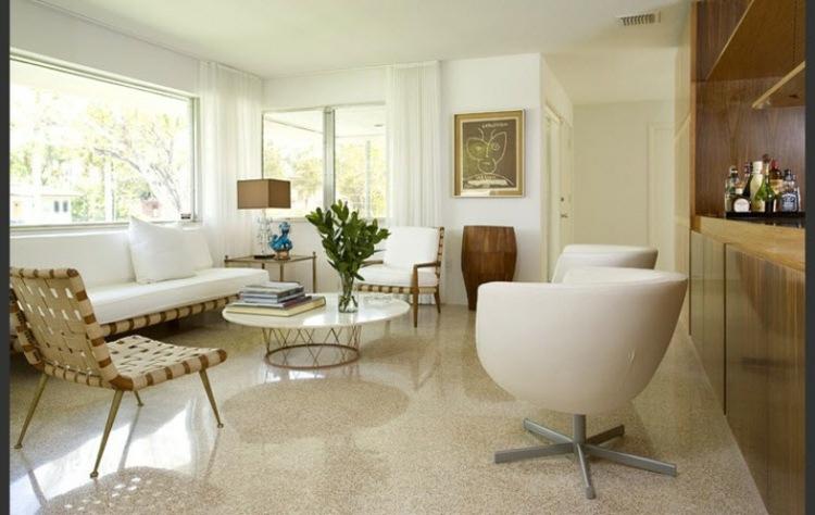 sala de estar peuqueña moderna