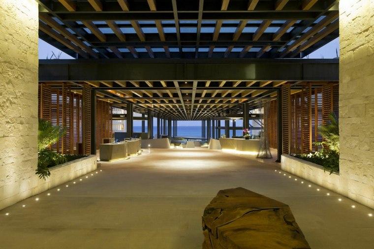senderos luces led plantas salas maderas