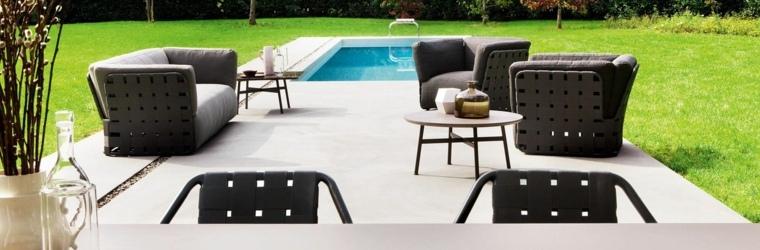 sofá de exterior jardin amplio cesped piscina ideas